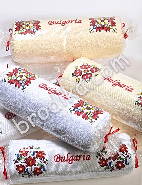Бродирана хавлиена кърпа