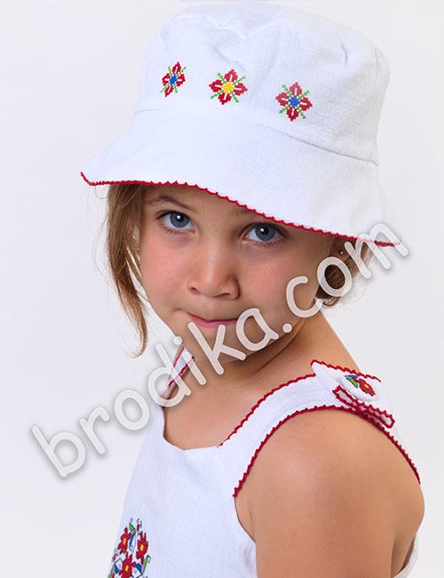 "Детска шапка с периферия ""Царица"" 1"