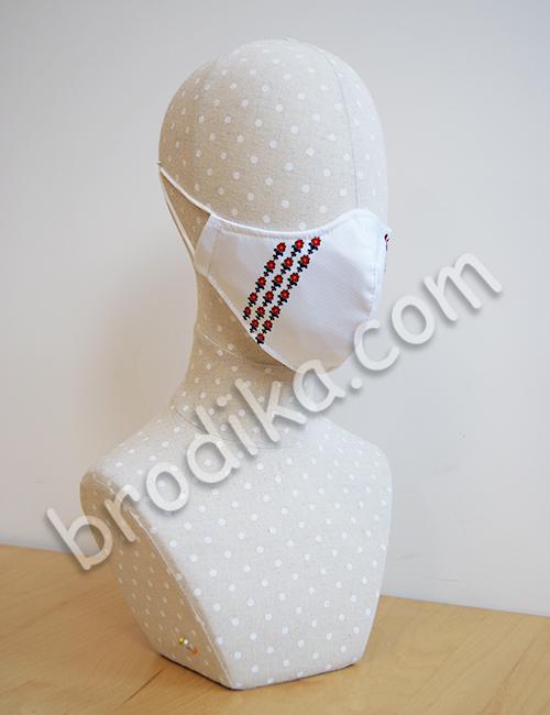"""Трислойна предпазна маска за лице """"Три китки червени лалета"""" 4"""
